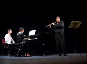 Robert Stallman y Karla Flores en concierto de clausura